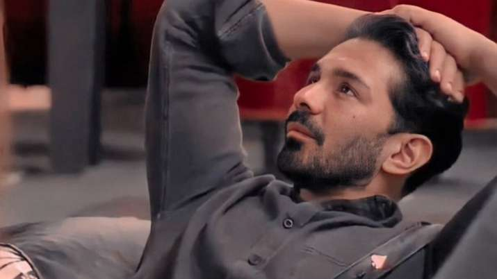 Abhinav Shukla Evicted from BB14 in a Mid Week Elimination