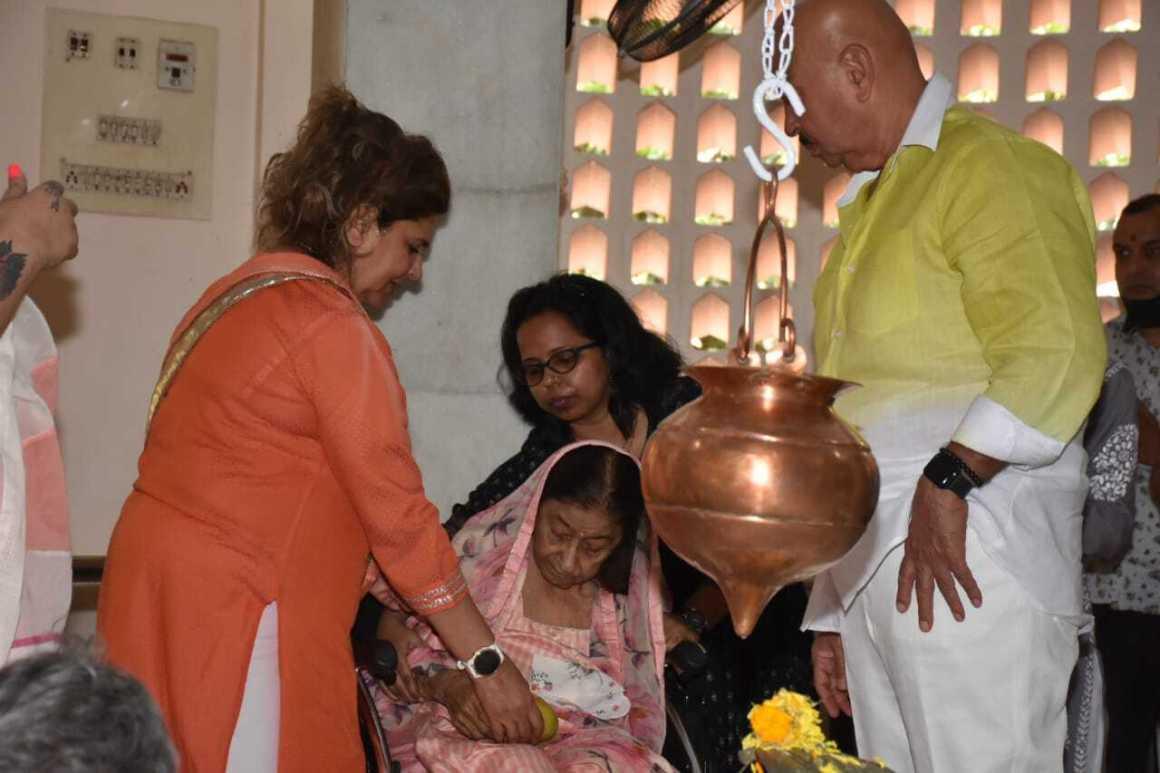 Rakesh Roshan With Family at Shivaratri Pooja 2021