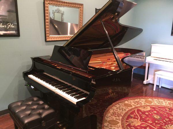 Yamaha – Model DCFXE3-PRO Disklavier 9′ concert grand piano w/artist bench