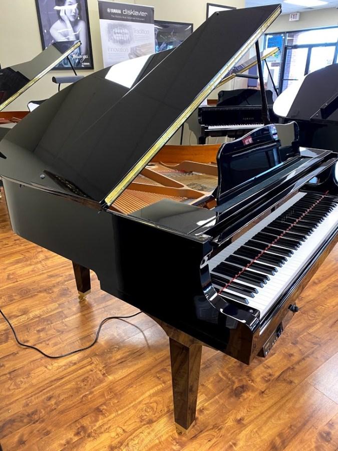 Used DGB1KE3 left side grand piano for sale