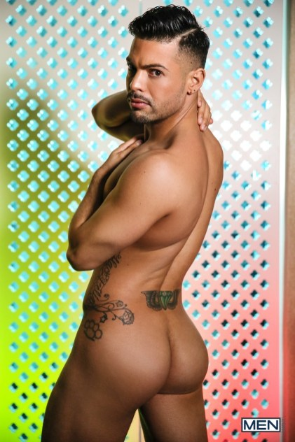 Boomer-Banks-Alexander-Savage-Latin-Men-008