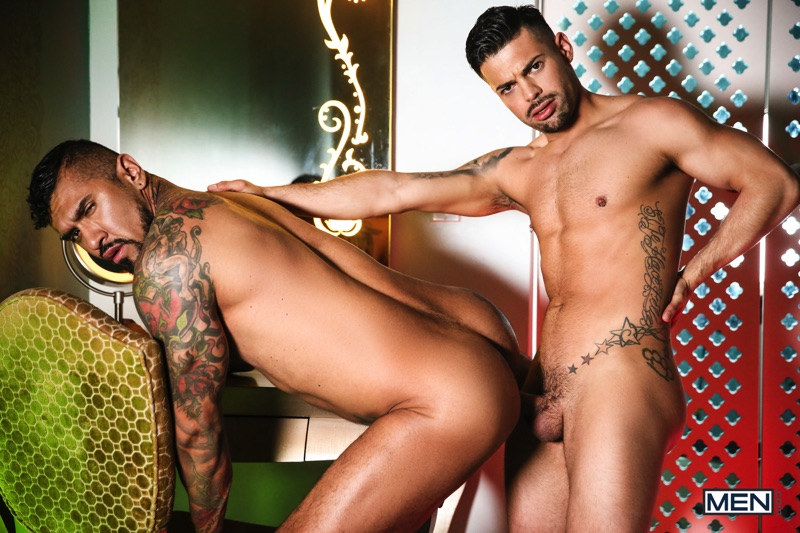 Boomer-Banks-Alexander-Savage-Latin-Men-016