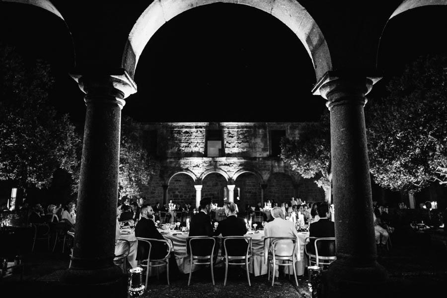 casamento gerês jantar al fresco no claustro da pousada de amares
