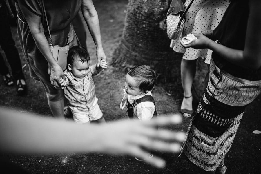 fotografia de casamento criancas a brincar