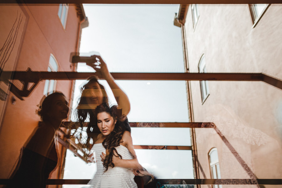 30-rising-star-Rangefinder-noiva-vestido-reflexo-selfie