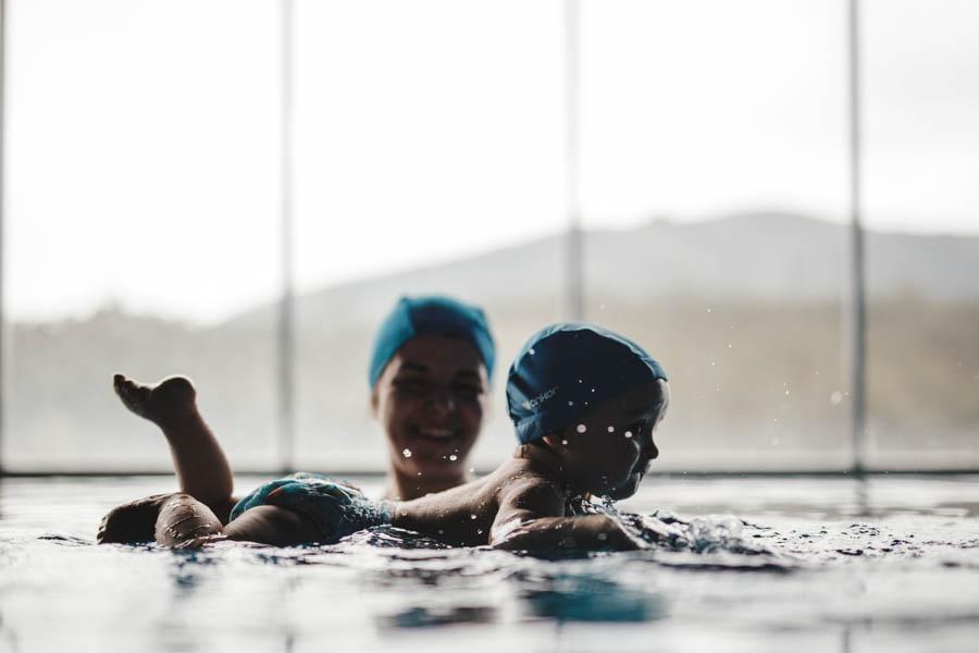 Fim de semana no SPA Douro fotografia documental familia bebe nadar natacao infantil piscina