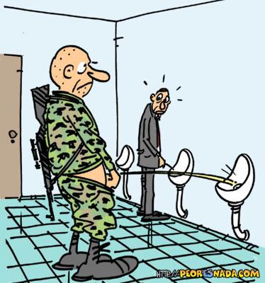 humor micción soldado