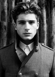 thick wavy hairstyles men