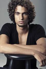 guy with curly hair mens hairstyles