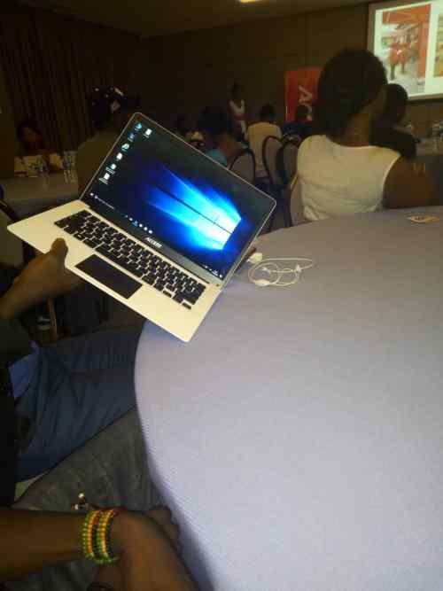 Accent Notebook Smart 140 1