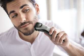 Men on the Move Prefer Cordless Battery Operated Trimmers