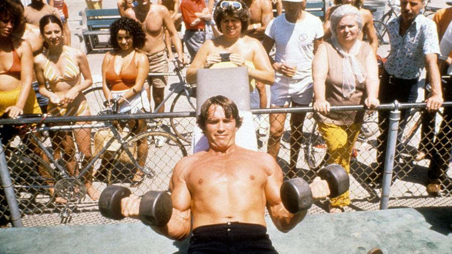 https://i0.wp.com/www.mensfitness.com/sites/mensfitness.com/files/styles/wide_videos/public/arnold-schwarzenegger-beach-chest-1280.jpg?w=1060&ssl=1