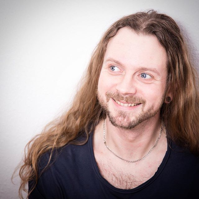How To Get Beyond Shoulder Length Hair Style Mens Hair Blog