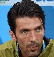 soccer player haircuts