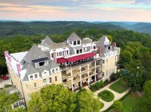 Haunted Homes Hotels And Lodges In America 2018