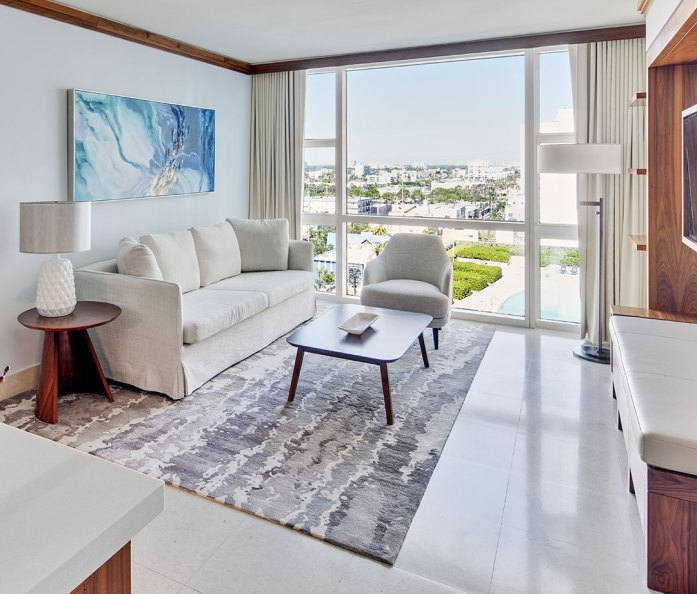 Suite with city view at Miami Carillon Wellness Resort