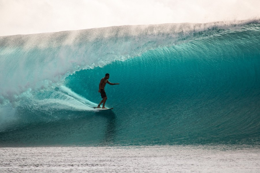 Cloudbreak Fiji Namotu Island big wave surfing