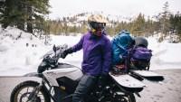 moto om hoge sierra elektrische motorfiets te skiën