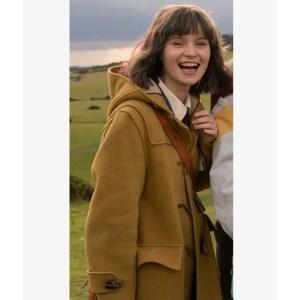 Dating Amber Actress Lola Petticrew Coat