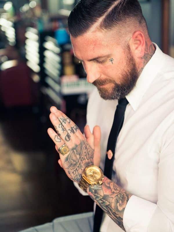 hand tattoos men - design