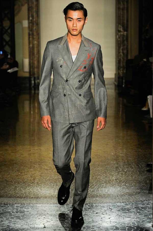 Moschino Asian Models