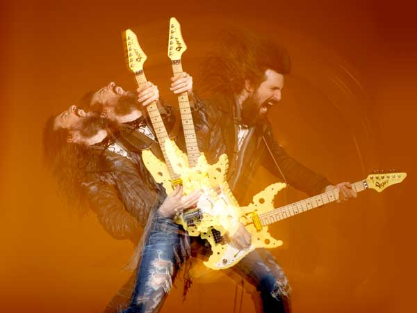 Bumblefoot (photo by Larry Dimarzio)