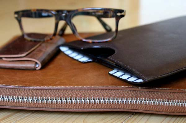 Leather accessories for men Kindle Ipod and Lap top