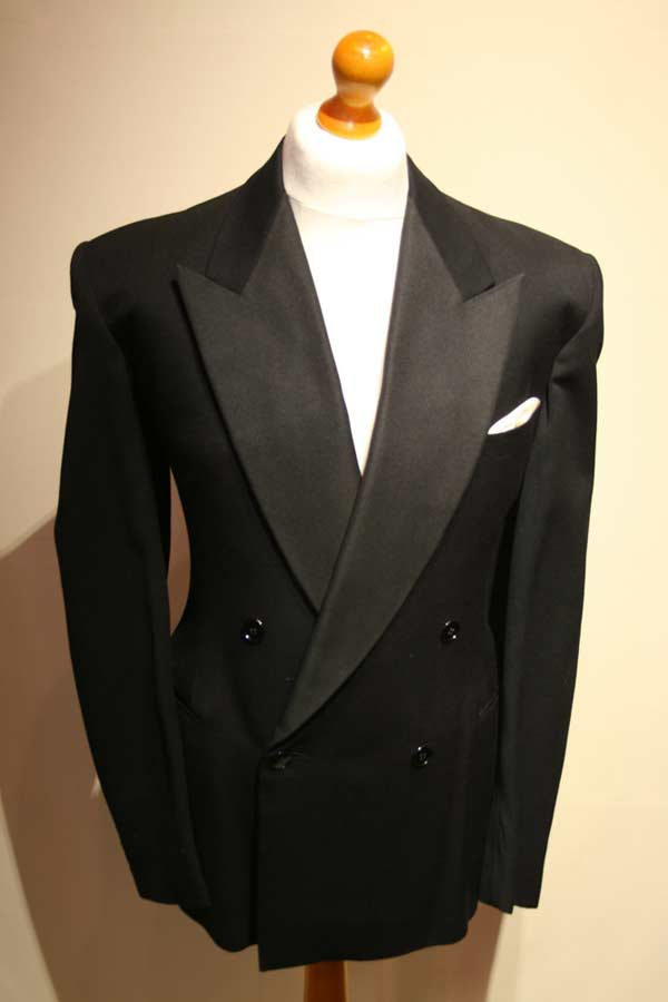 Double Breasted Peal Lapel Suit