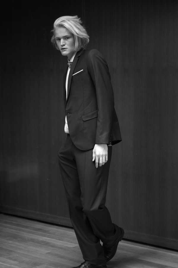 Kevin Pineda - Black & White Fashion Photographer
