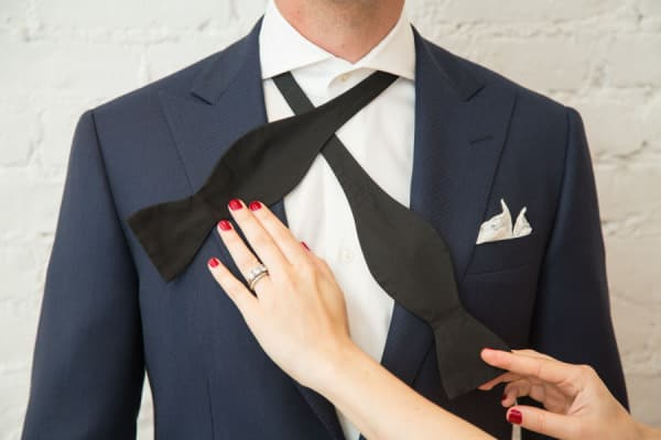 How To Tie A Bow Tie – Step By Step Video