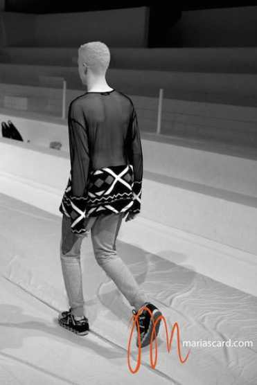 Shaun Ross - Velsvoir Maria Scard Fashion Forward Dubai Fashion Week 2014 (4)