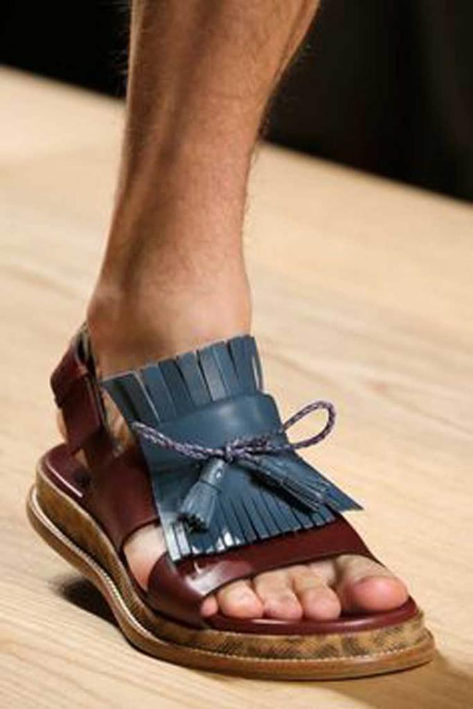 Chunky sandals for men