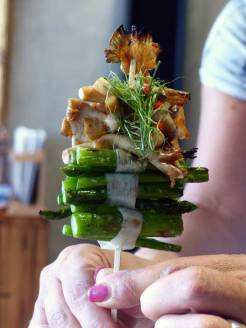 Mushroom and asparagus sate