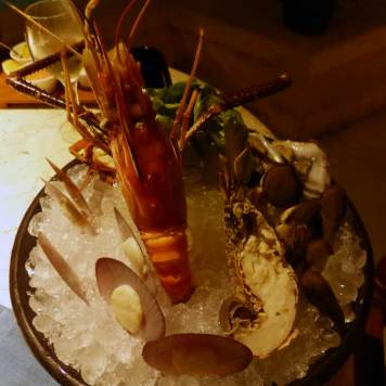 Riverside-cafe-four-seasons-Bali-at-Sayan-seafood-platter