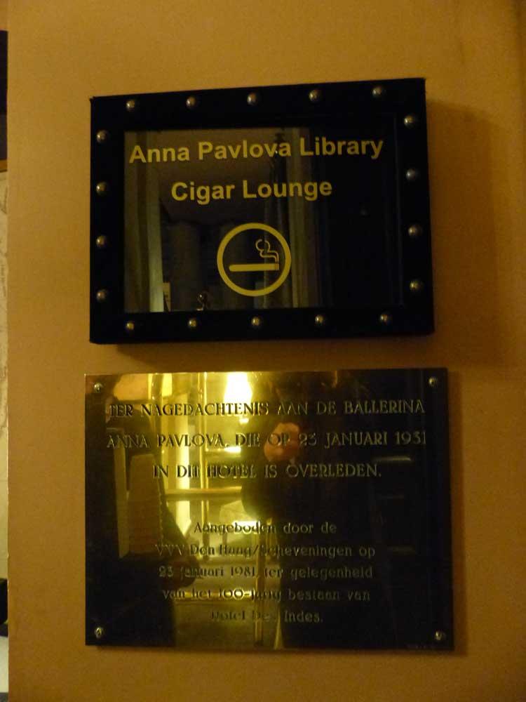 Hotel-Des-Indes-The-Hague-MenStyleFashion---Cigar-room-Anna-pavlova