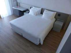Nhow-Rotterdam-MenStyleFashion-Review-2015.-Double-bed