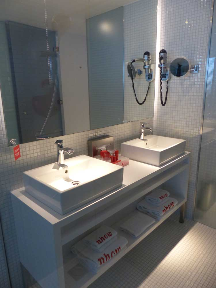 Nhow-Rotterdam-MenStyleFashion-Review-2015.-bathroom