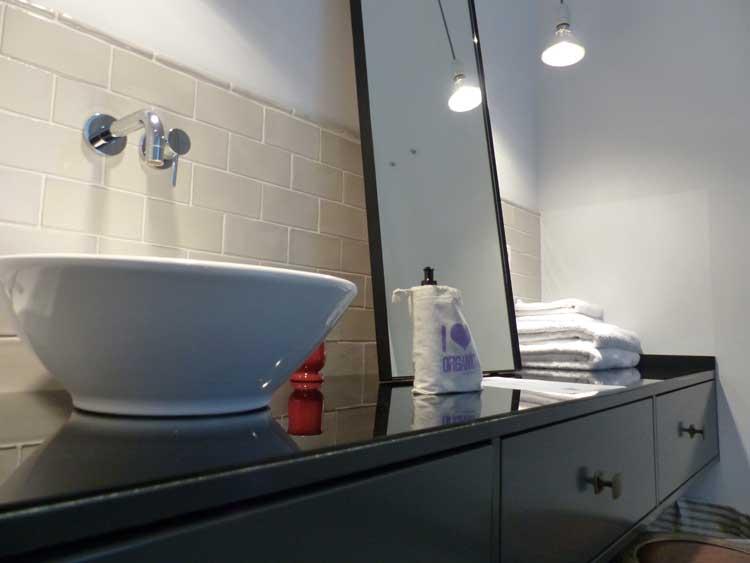 Gorki-Apartments-Berlin.jpg-sinks