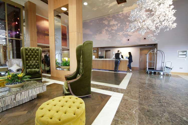 Hilton-Syon-Park-MenStyleFashion-Luxury-Week-London.-The-Lobby
