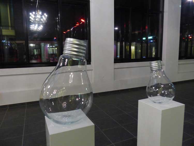 InntelHotel---Art-Eindhoven-Philips-Light-Tower-MenStyleFashion-(10).jpg-Philips-Light-bulb