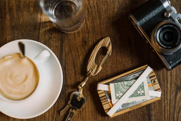 HUDWOOD – Handcrafted Wooden Carabiners And Wallets