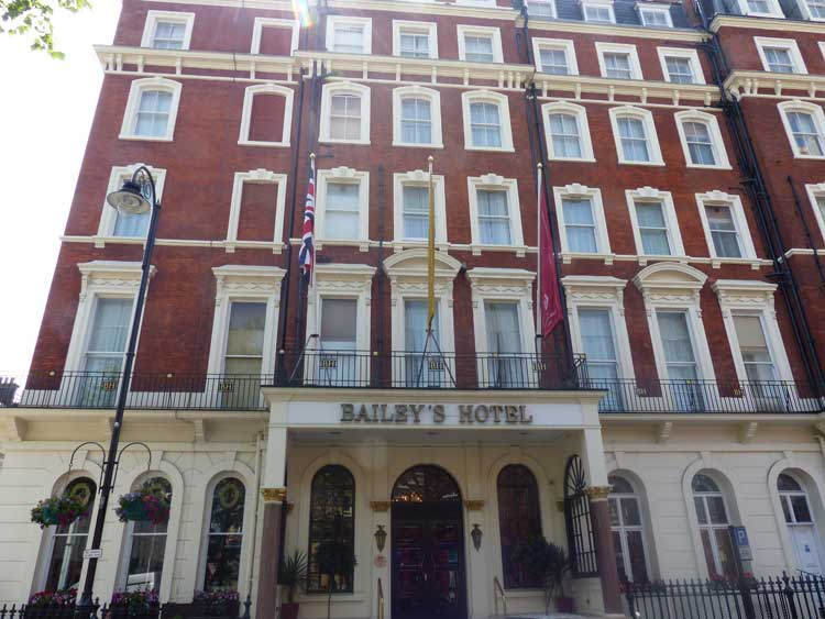 The Bailey's Hotel London - Victorian Townhouse MenStyleFashion (7)