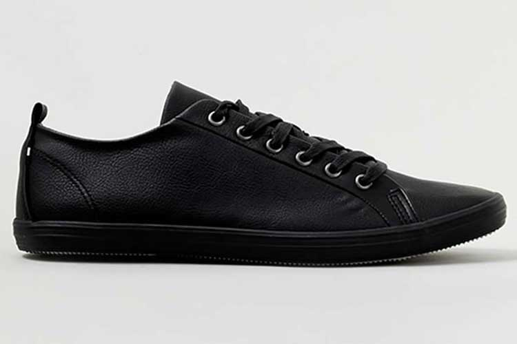 Black-Plimsolls