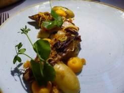 Jerusalem artichoke Red Onion Breton carrot Confit garlic jus