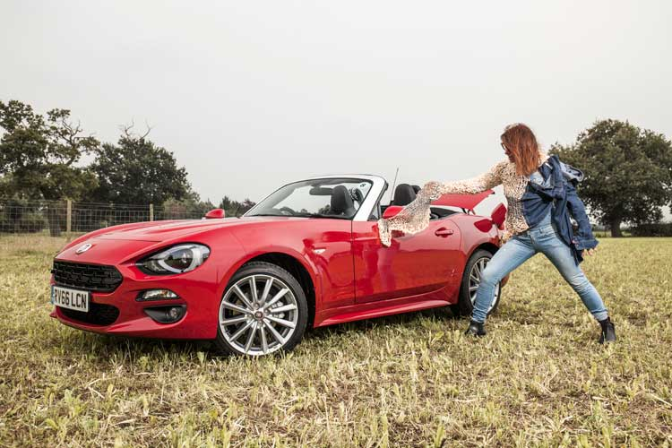 fiat124-spider-gracie-opulanza-for-menstylefashion-car-review-46