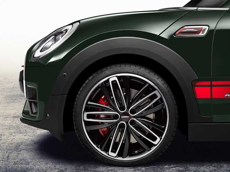 mini-clubman-cooper-works-1