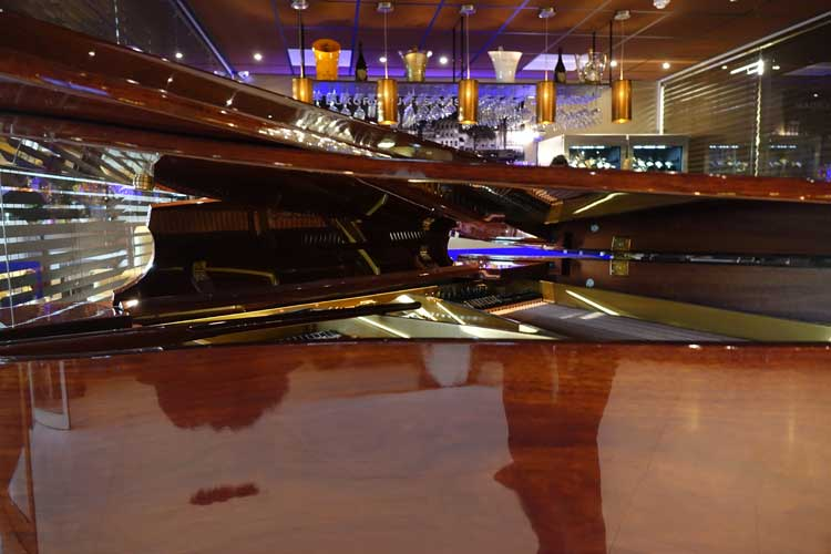luxury-suites-amsterdam-luxury-location-royal-penthouse-menstylefashion-10