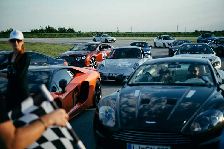 Oneliferally - The Battle Of The Super Car Race