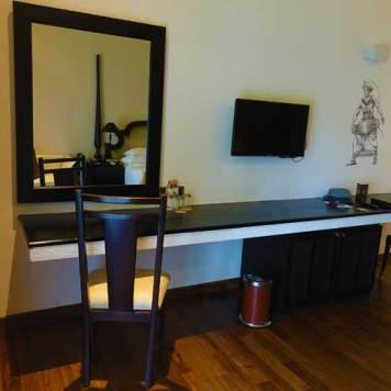 Earl's Regency Hotel - Kandy Jungle Luxury room MenStyleFashion 2017 Sri Lanka (3)