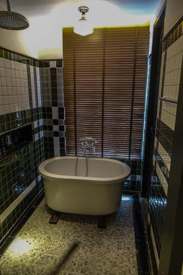 hotel artist ping silhouette chiang mai review (5)
